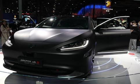 北汽极狐阿尔法S华为HI版智能高起点 推动纯电汽车高端化之路