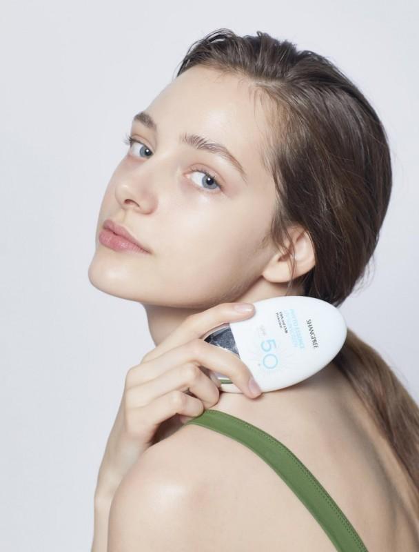 防晒霜正解:香蒲丽保湿焕采防晒霜,全年呵护美眉肌肤